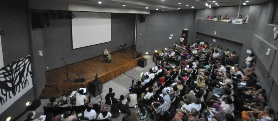 Indonesia: Survivors Share their Stories at Public Hearing in Jakarta
